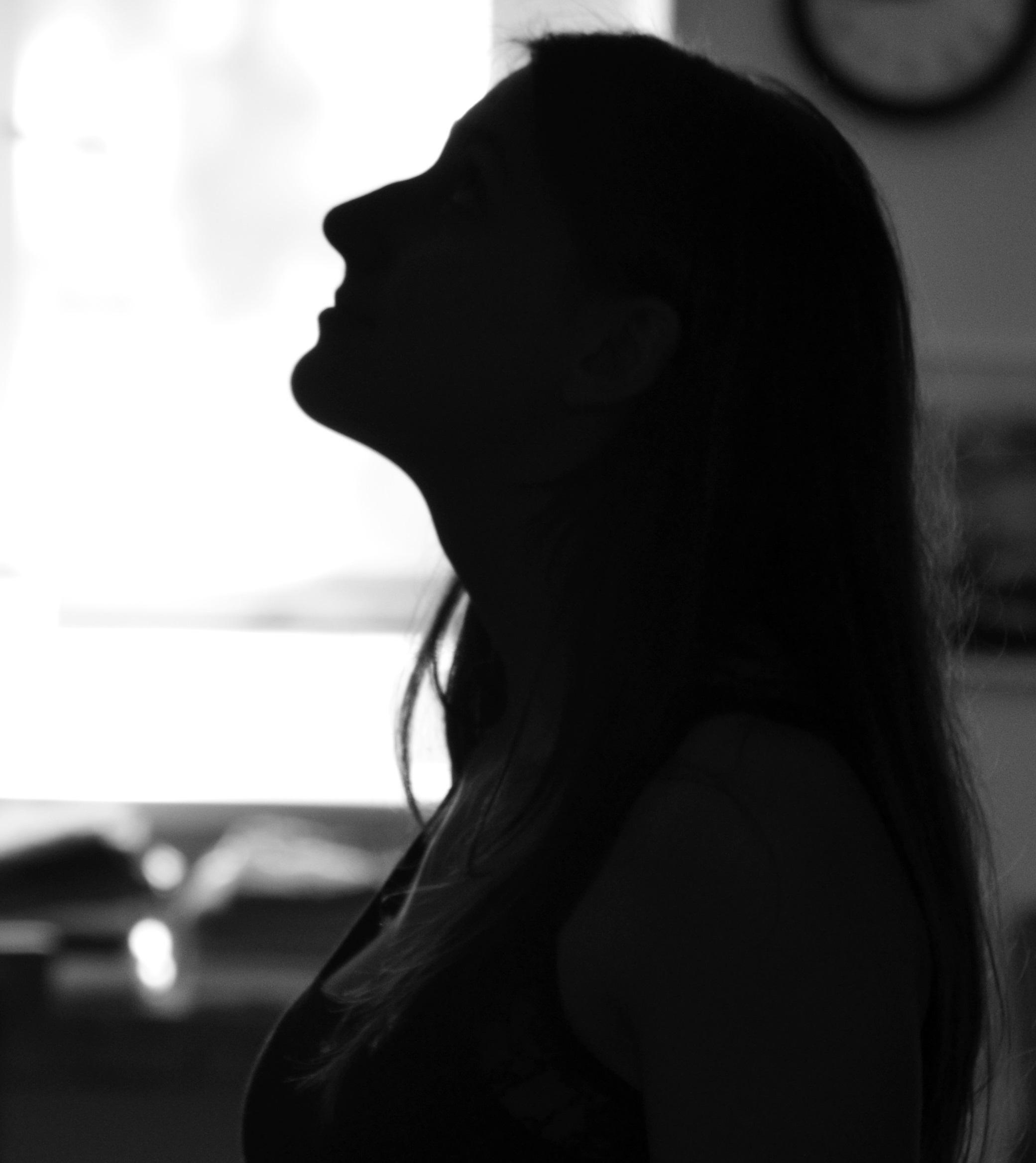 11-10-2018_19-21-131__silhouette-black-and-white-people-girl-woman-white-1027835-pxhere.com_-1
